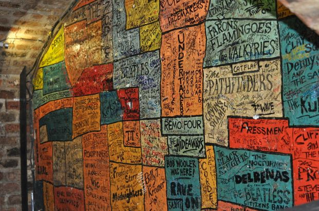 the_cavern_club_wall_mathew_street_liverpool_2011